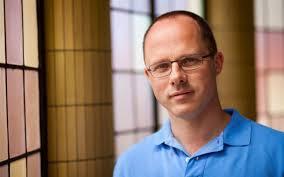 Tom Mikkers, theoloog, vernieuwende kerkelijke projecten